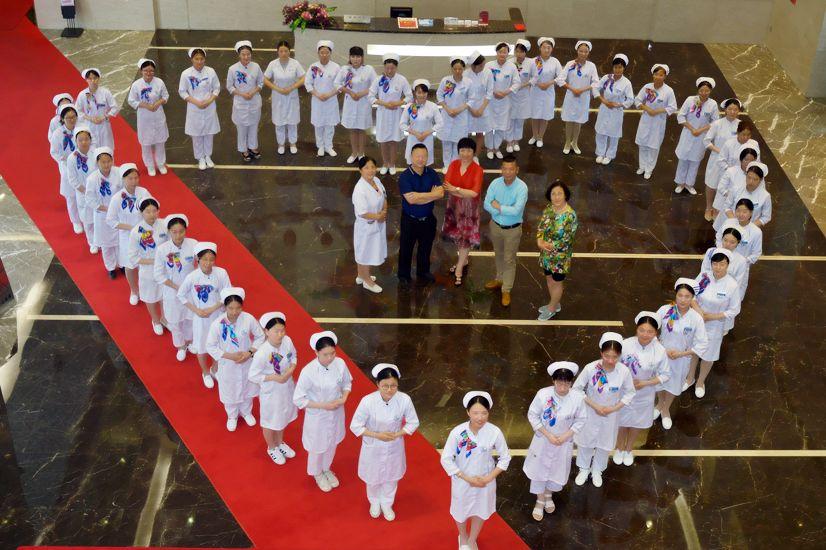 第一健康集团祝5.12护士节快乐